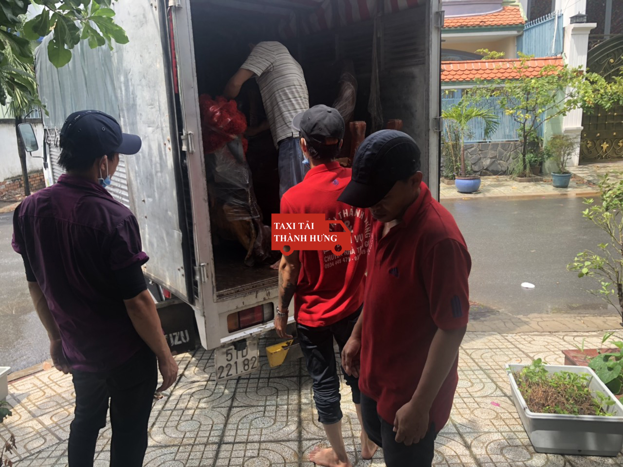 chuyển nhà thành hưng,Taxi tải Thành Hưng chuyển đồ nhanh quận 3