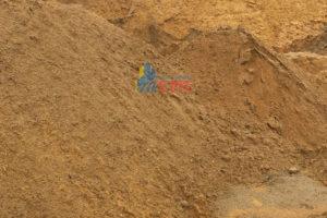 Cát đổ bê tông là thành phần không thể thiếu được trong các dự án xây dựng